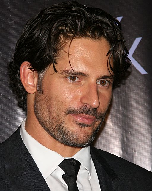 By Joe_Manganiello_5.jpg: Srakirei derivative work: RanZag (This file was derived from:  Joe_Manganiello_5.jpg) [CC-BY-SA-2.0 (http://creativecommons.org/licenses/by-sa/2.0)], via Wikimedia Commons